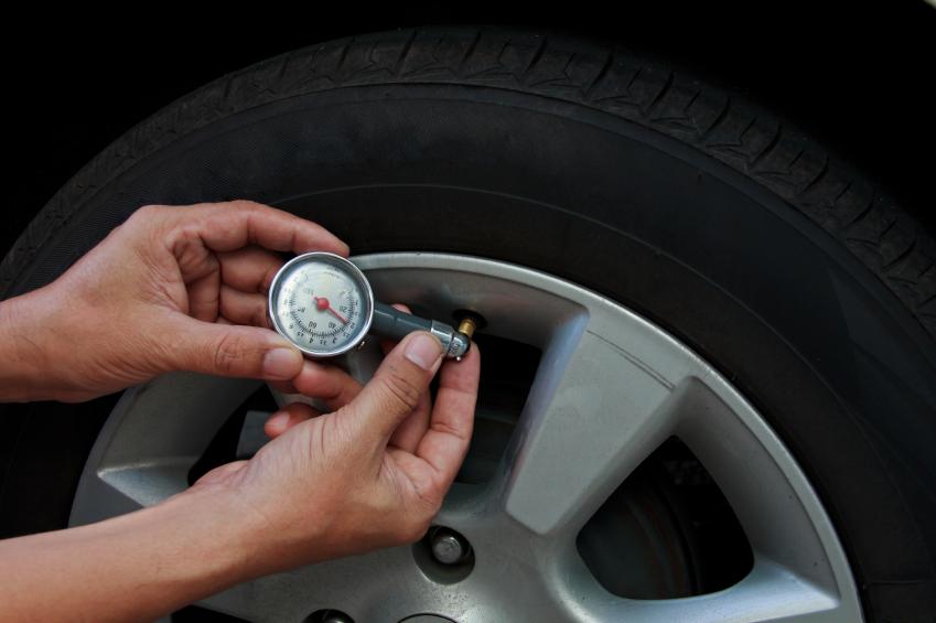 Check Tire Pressure >> Tire Pressure How To Check It Blain S Farm Fleet Blog