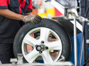 10 signs you need to buy tires