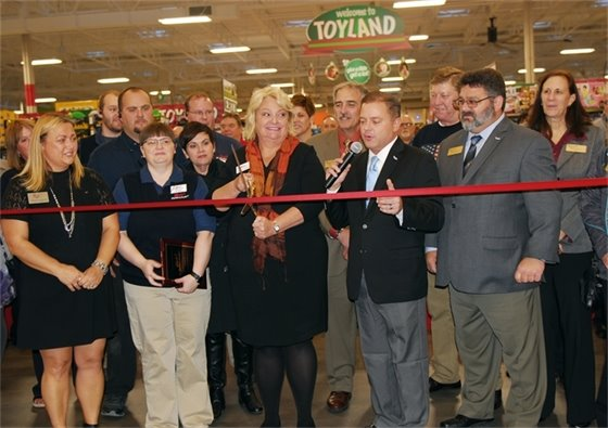 romevoville-ribbon-cutting