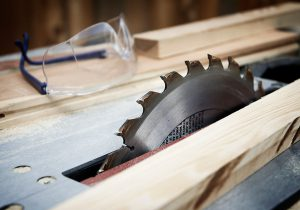 Table saw buyers guide blains farm fleet blog table saw buyers guide you keyboard keysfo Images